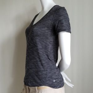 Lululemon gray tee / tshirt- Size Small